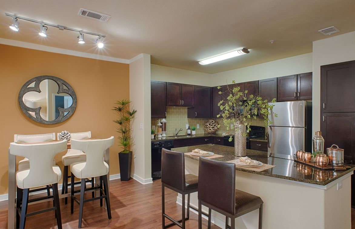 apartments with garage in ft worth